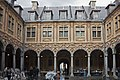 Lille-Intérieur de la Vieille Bourse-2012 03 18.jpg