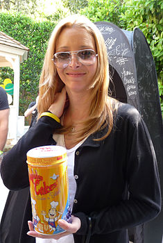 Lisa Kudrow with DaddyCakes.jpg