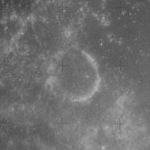 卢伯克陨石坑