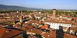 Lucca veduta TorreOrologio2