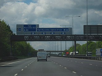 M40 motorway - The M40 heading westbound towards Junction 4 (High Wycombe)
