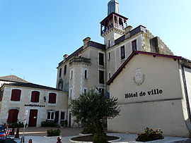 The town hall in Castelmoron-sur-Lot