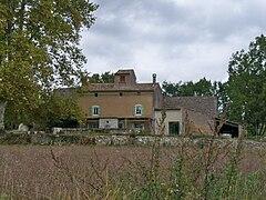 240px-Maison_%C3%A0_Terre.JPG