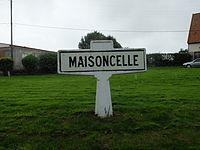 Maisoncelle - Ancien panneau d'entrée.JPG