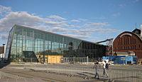 Malmö C, glasbygningen på gång.jpg