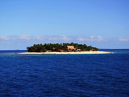 An island in the Mamanuca Islands group. Mamanuca island.jpg