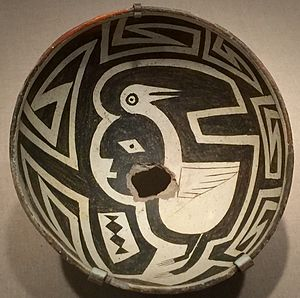 Mogollon culture - Man and crane, Mangas-Mimbres pot, c. 1000 AD, showing figure-ground reversal