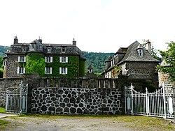 Marmanhac château Voulte.jpg