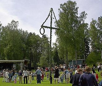 Ceremonial pole - Dancing around the maypole, in Åmmeberg, Sweden