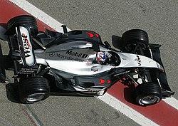 A Mclaren F1 >> McLaren MP4-18 – Wikipedia