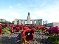 Memorial a los soldados soviéticos, Tiergarten, Berlín 07.jpg