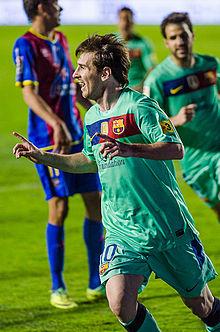 Messi festeggia dopo aver segnato un gol al Levante