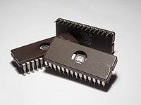 Teknologi Transistor (Mikrochip Memori)