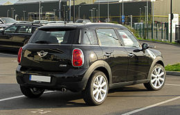 Mini Cooper Countryman (R60) – Heckansicht, 2. April 2011, Düsseldorf.jpg