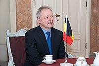 Ministru prezidents Valdis Dombrovskis tiekas ar Beļģijas Karalistes vēstnieku Latvijā Franku Arnautsu (6689142729).jpg