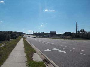 U.S. Route 27 in Florida - US 27 in Minneola, looking south towards the Citrus Tower