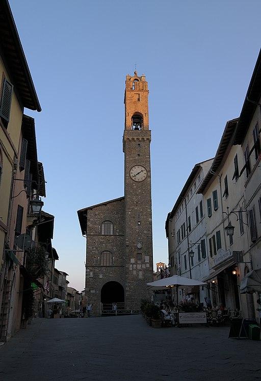 Palazzo dei Priori a Montalcino