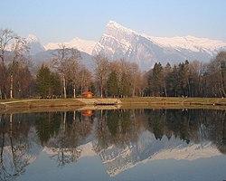 Morillon - vue sur le lac bleu et le criou.jpg