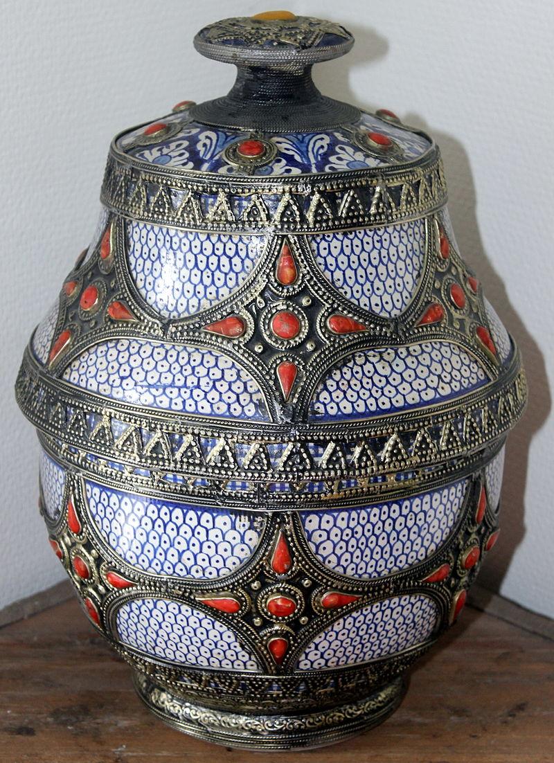 Morocco, Safi ceramic vessel Jobbana.JPG