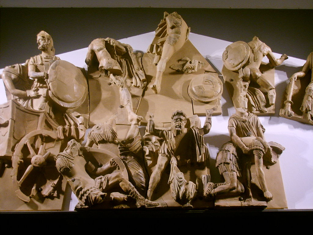 Museo archeologico di Firenze, frontone di Talamone 2