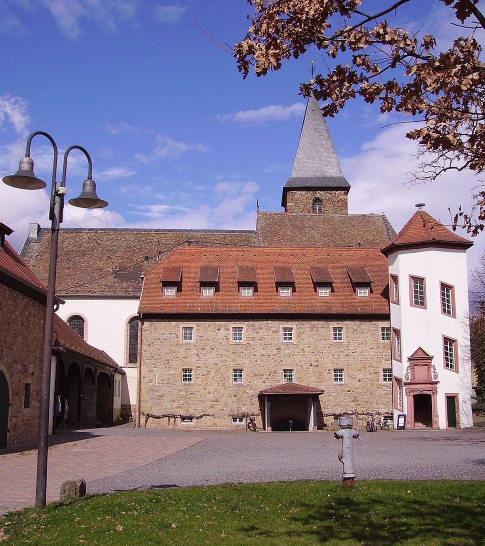 Mussbach Kirchturm Storchenturm