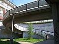 Náměstí Hrdinů, rampa mostu (03).jpg