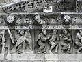 Nîmes (30) Cathédrale Frise 03.JPG