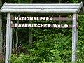 Nationalpark Bayerischer Wald, Schild am Eingang.jpg