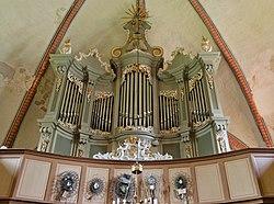 Neukirchen Kirche Orgel.jpg