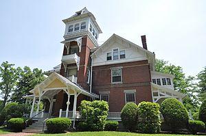 Grove Hill Mansion - Image: Northampton MA Grove Hill Mansion 02