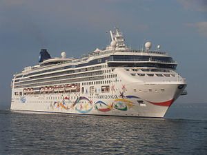 Norwegian Star leaving Tallinn 19 May 2013.JPG