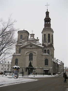 Photo de la basilique, de face sous la neige