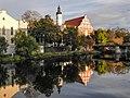 Opole - Kościół Franciszkanów i kanał Młynówka.jpg