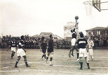 ebf360e5e PAOK vs Chanth (YMCA) during the 1920s.