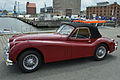 PKW der Marke Jaguar, Cabrio, in Stralsund, 1 (2012-06-28), by Klugschnacker in Wikipedia (2).JPG