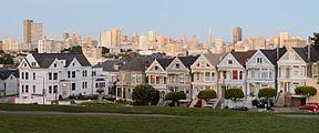 Painted Ladies San Francisco January 2013 panorama 1.jpg