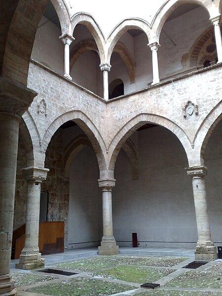 File:Palazzo steri2.jpg