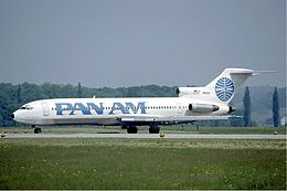 Pan Am Boeing 727-200 at Zurich Airport in May 1985.jpg