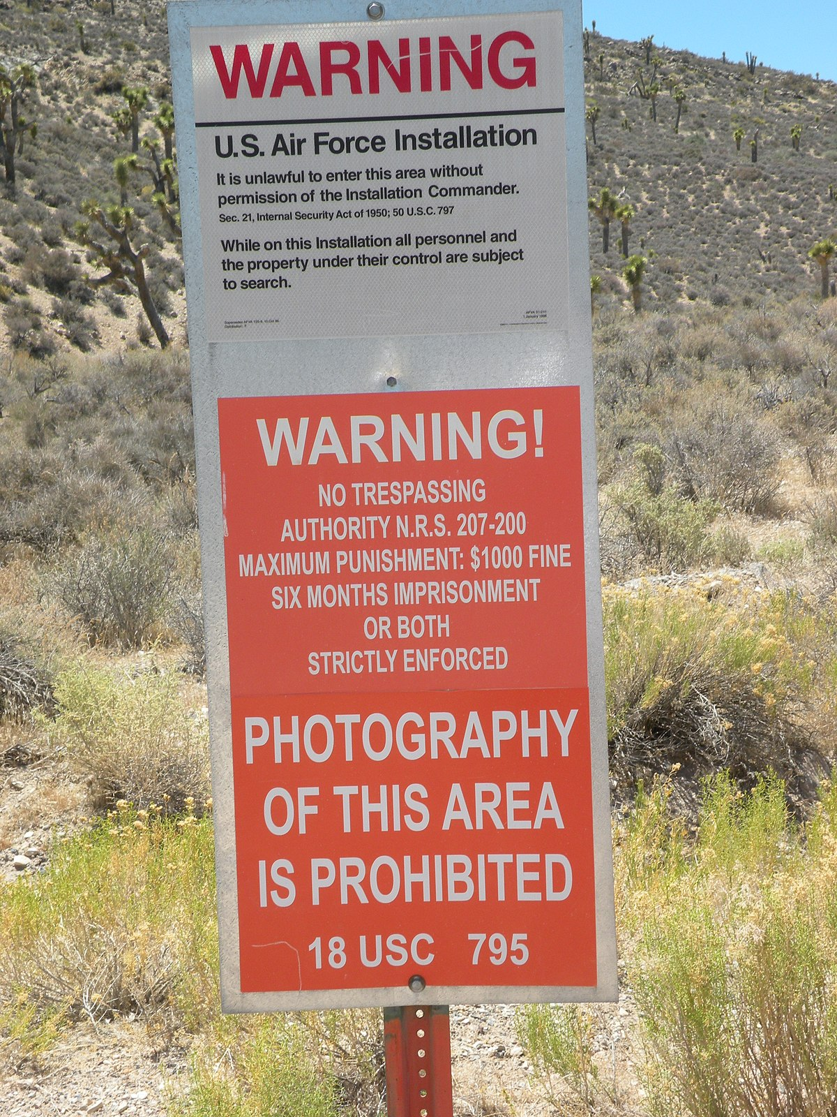 Hundreds 'storm Area 51' in Nevada desert - Wikinews, the free news source