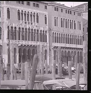 Ca' Farsetti - The facades of Palazzo Loredan and Ca' Farsetti (right) seen from the Canal Grande in a photo by Paolo Monti, 1969