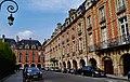 Paris Place des Vosges 05.jpg