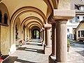 Partie restante du cloître de l'ancien prieuré de Thierenbach.jpg