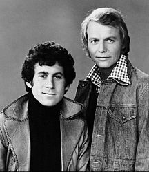 Paul Michael Glaser David Soul 1975.JPG