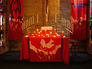 English: A Protestant Church altar decorated f...