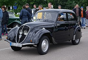 Peugeot 202 - Image: Peugeot 202 BW 1