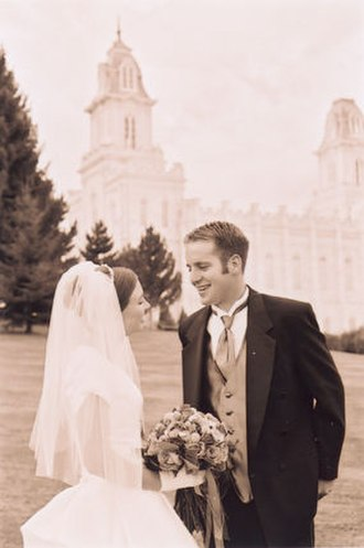 Beliefs and practices of The Church of Jesus Christ of Latter-day Saints - A couple following their marriage in the Manti Utah Temple