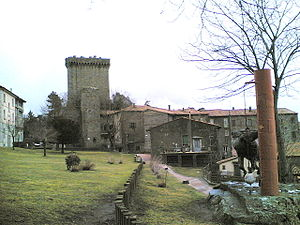 Piancastagnaio - The public park and the castle in Piancastagnaio.