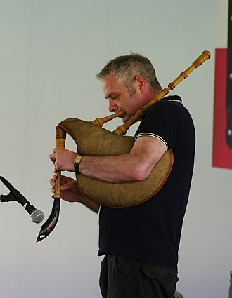 Pibgorn (instrument) - Ceri Rhys Matthews playing a Welsh Bag-Hornpipe or Pibe Cyrn