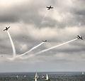 PikiWiki Israel 37252 Aerial Split Demonstration Above the Sea.jpg