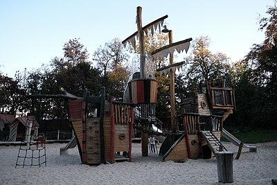 Piratenspielplatz-1.jpg